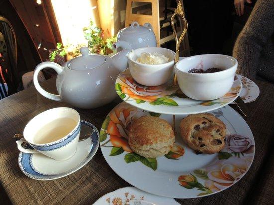 whittingtons-tea-barge